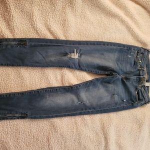 Junior Distressed Skinny Jean's w/Zippers. Sz 28.